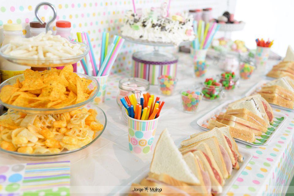 Mesa Dulce Y Salada Para Merienda De Cumpleaños Www Labodadepandora Es Wedding Planner En Cabra Cór Mesa De Dulces Mesa Salada Fiestas Merienda Cumpleaños
