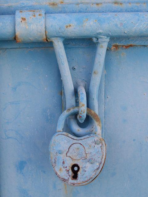 padlocked door... omodos cypres & Padlock | Key Doors and Key lock