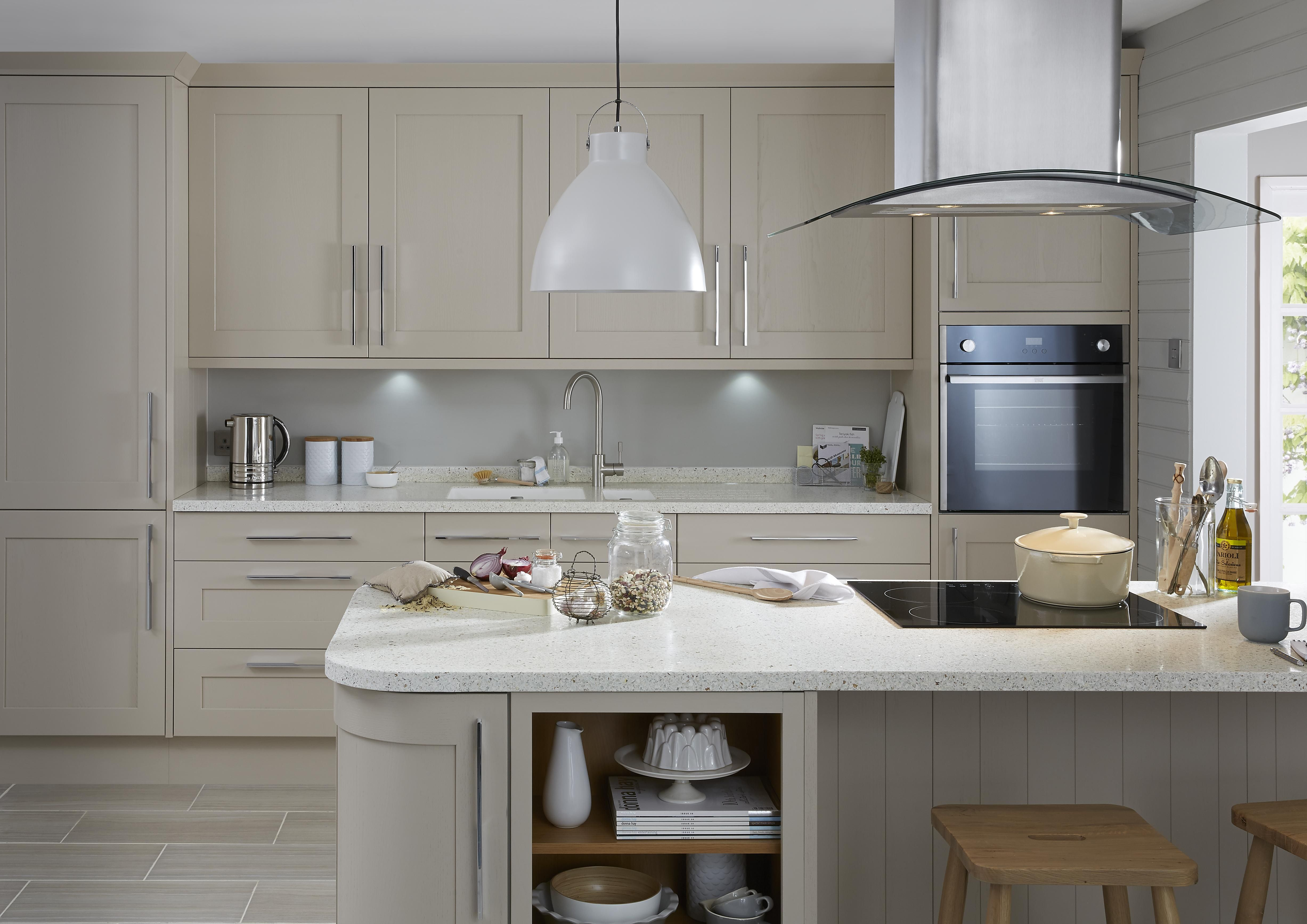 Our Carisbrooke Cashmere kitchen combines the best of