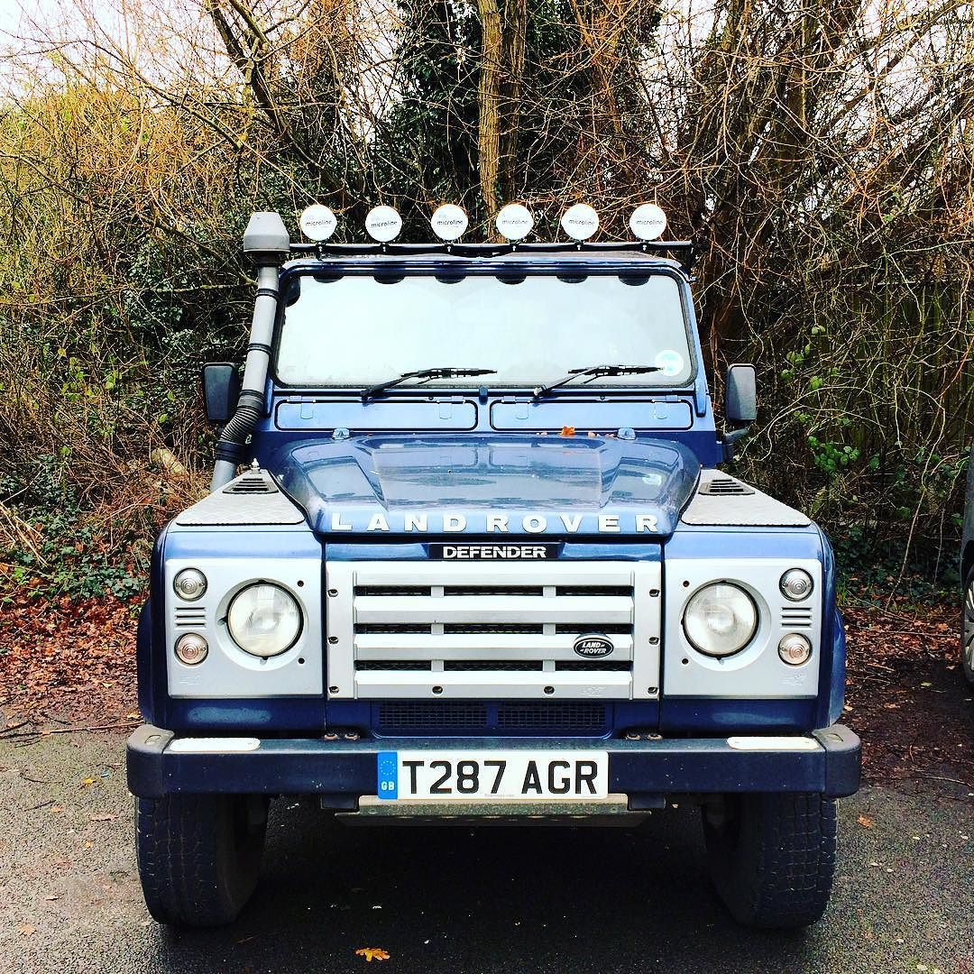 Ron Xox On Instagram New Light Bar Landrover Defender Spotlight Lightbar Landroverdefender Land Rover Defender Land Rover Bar Lighting