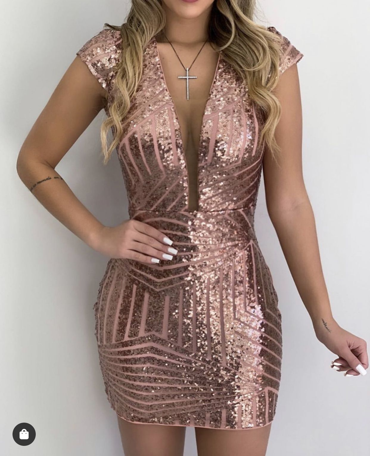 Pin de Ana Belen Crespo em Ropa de moda | Vestido paete, Saia formal,  Vestidos