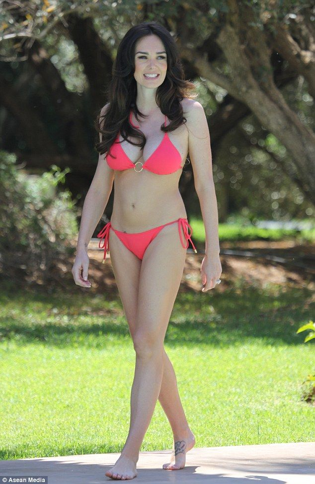 Red hot: Tamara Ecclestone continued to put her slender ...