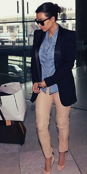c258bc880d Kim Kardashian wears same shirt at LAX that she wore in Paris ...