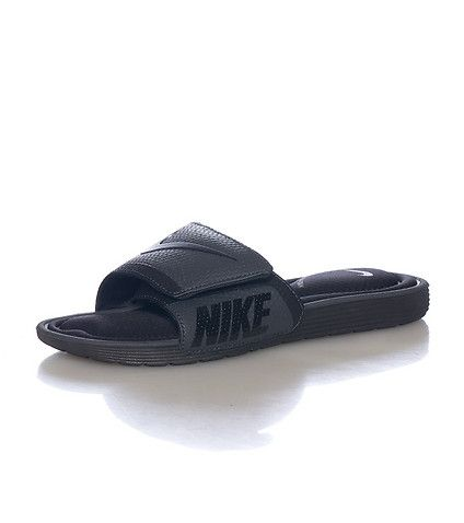 NIKE Memory foam sandals Adjustable velcro strap NIKE swoosh detail  Reinforced bottom rubber sole for performance 13c10269d
