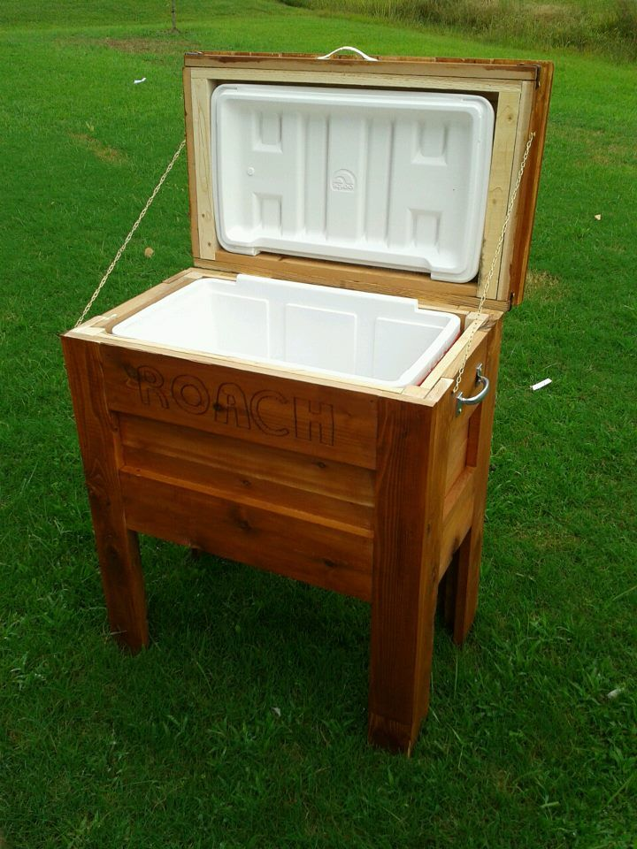 Diy outdoor projects outdoor wooden cooler do it for Outdoor wood projects ideas