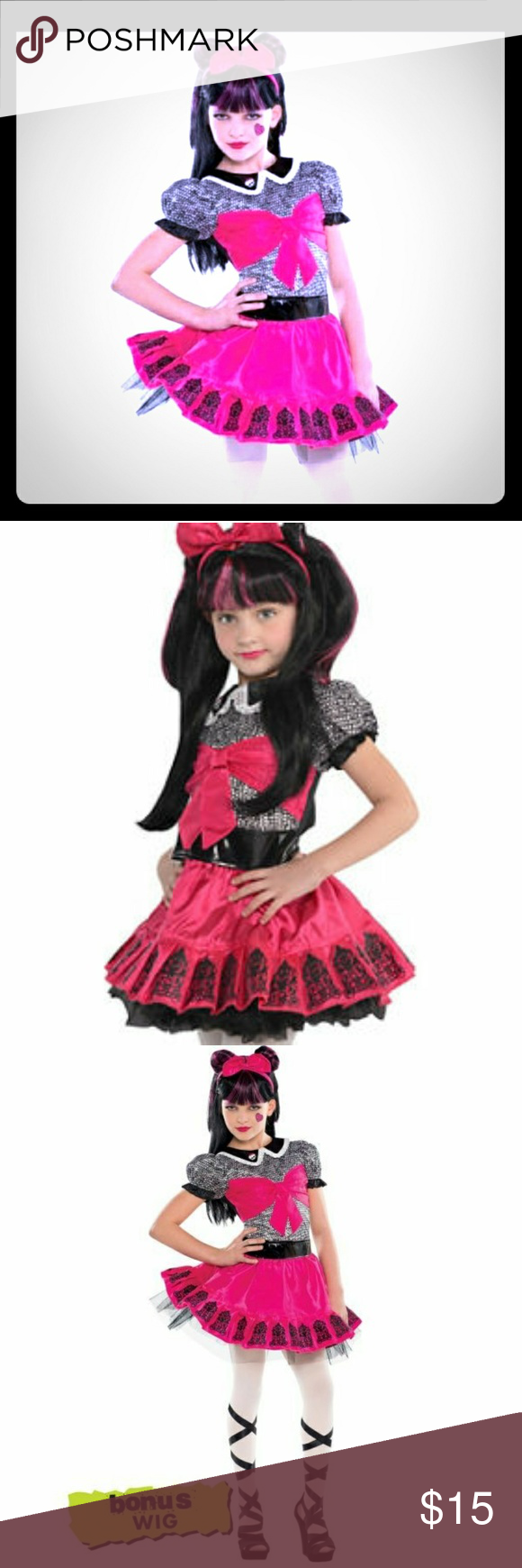 Girls Draculaura Halloween Costume Look your best for the Monster High fearbook in our Little Girls Draculaura Costume! Never Worn.  sc 1 st  Pinterest & Girls Draculaura Halloween Costume | Draculaura costume Halloween ...