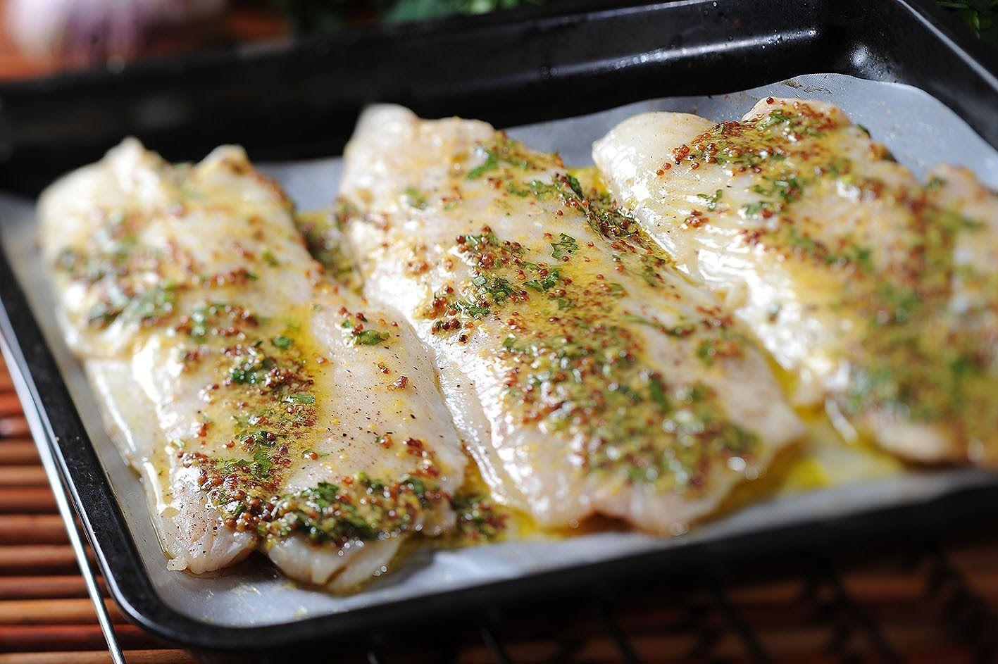 filete de pescado a la plancha con salsa de mostaza