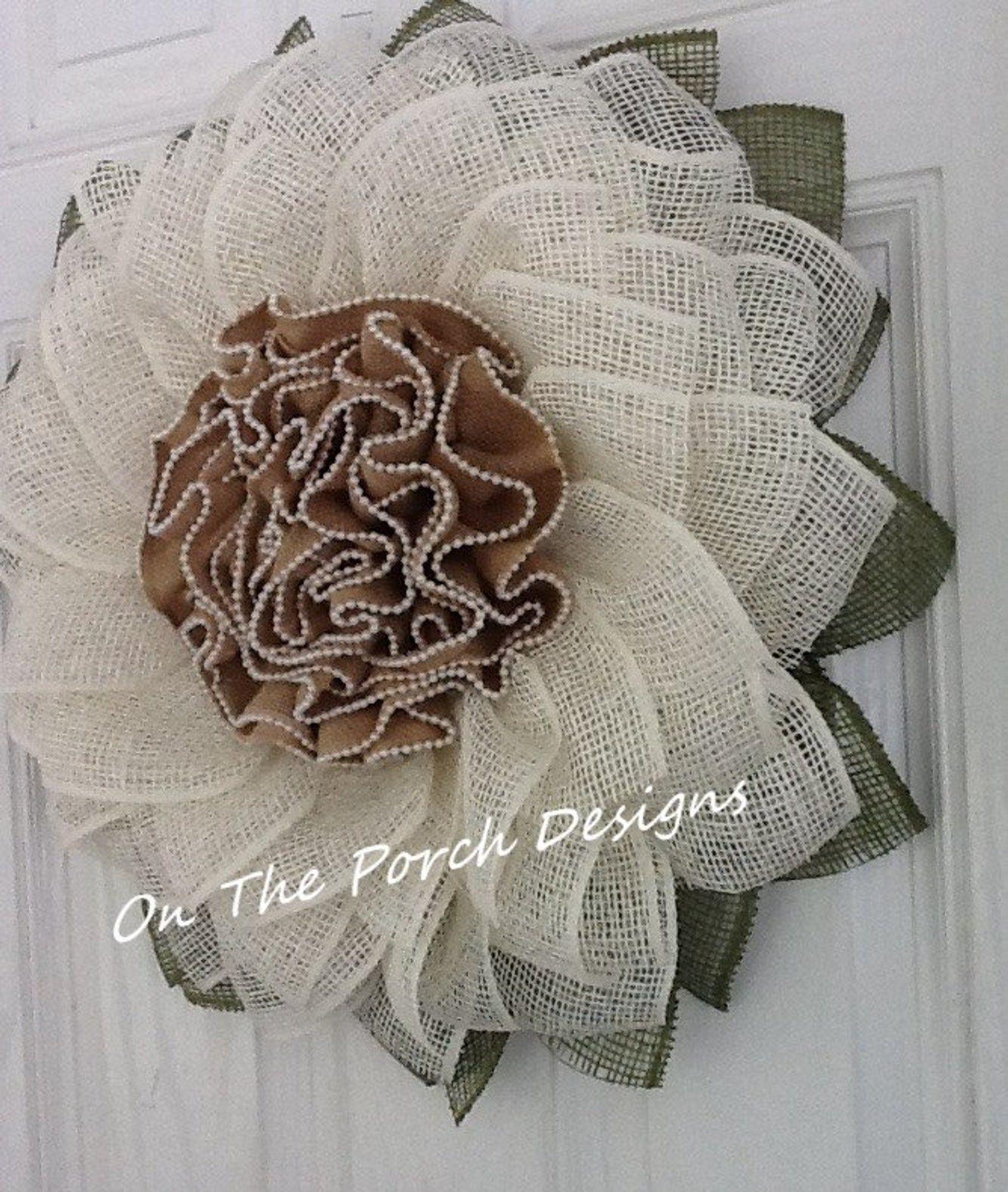 Photo of Farmhouse style, front door wreath, porch wreath, flower wreath, sackcloth wreath, interior decoration, wall decoration, country wreath, cream wreath