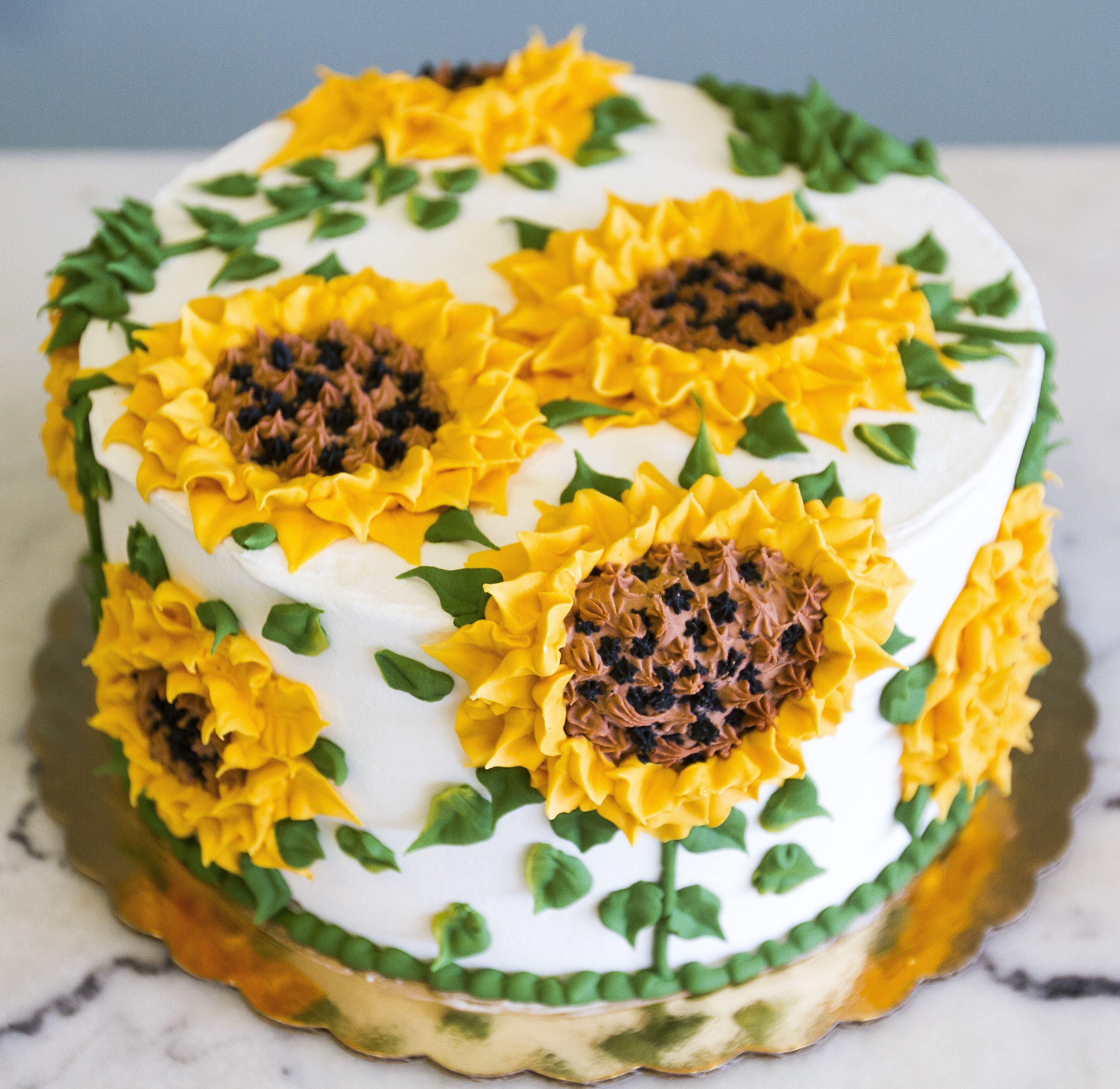 Awe Inspiring Sunflower Birthday Cake Cake 103 With Images Sunflower Funny Birthday Cards Online Necthendildamsfinfo