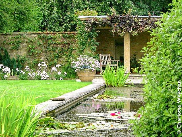 Tintinhull, just over a mile away from Montacute, has two acres of gardens, attributed in part to Harold Peto of Iford Manor fame. The gardens here owe a lot to well-known British garden designer, Penelope Hobhouse, who lived here from 1980 to 1993 and put her own inimitable stamp on both the choice of plants and the layout of this lovely garden.   The Galloping Gardener: March 2011