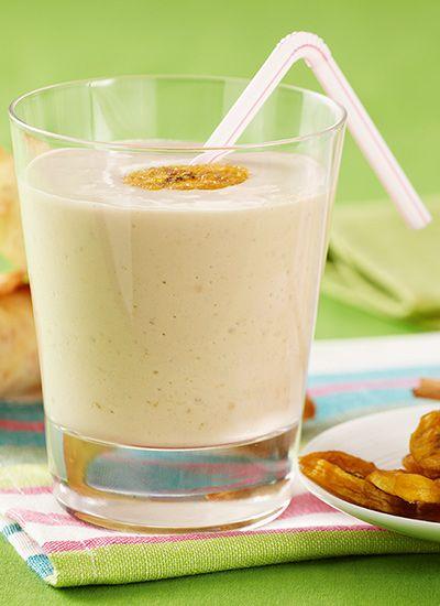 Los smoothies son una excelente opción para desayunar energéticamente pues pueden contener ingredientes de diferentes grupos alimenticios. Esta deliciosa bebida tiene vitaminas de varias frutas, ideales para empezar el día con mucha energía.