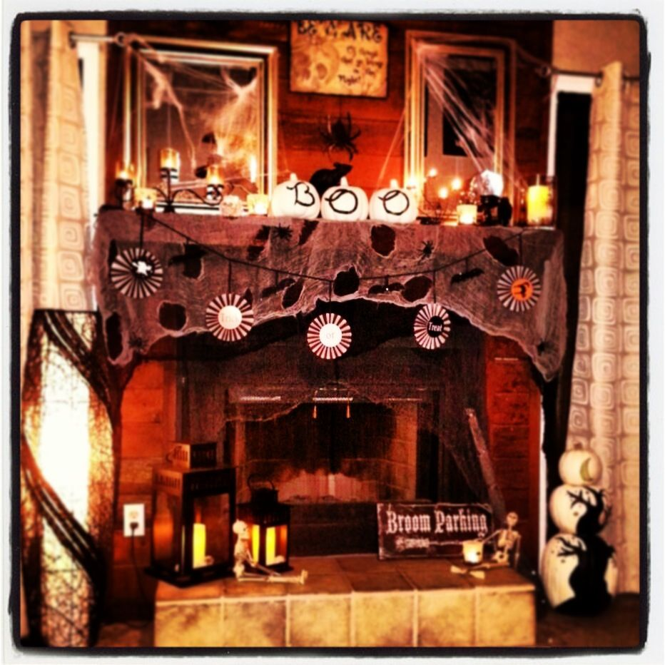 Fireplace Halloween Decorations: Halloween: Mantels & Fireplaces