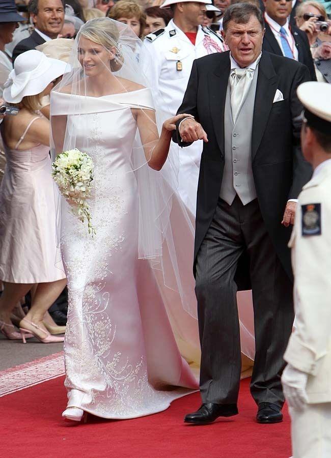 photos mariage princier monaco admirez la robe de. Black Bedroom Furniture Sets. Home Design Ideas