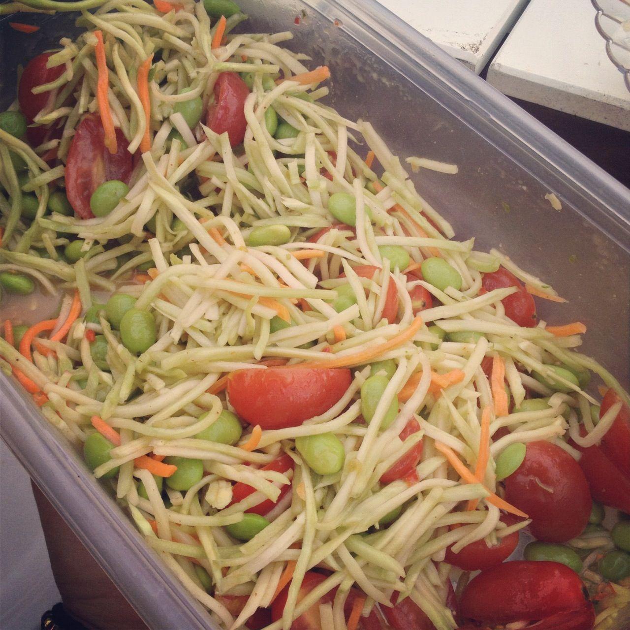 broccoli slaw ~ broccoli, tomatoes, edamame, spicy peanut vinaigrette