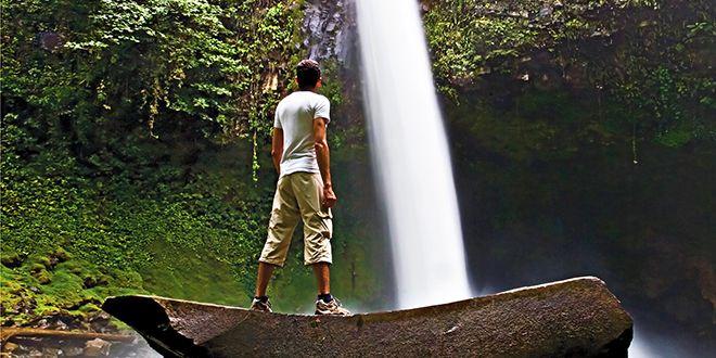 La_Fortuna_Waterfall-Costa_Rica-shutterstock