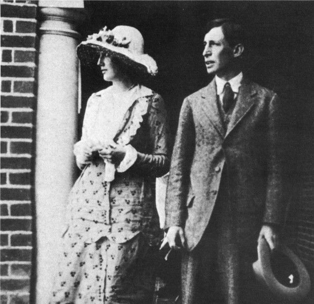 Leonard Woolf and Virginia Stephen in July 1912, the month before their wedding.