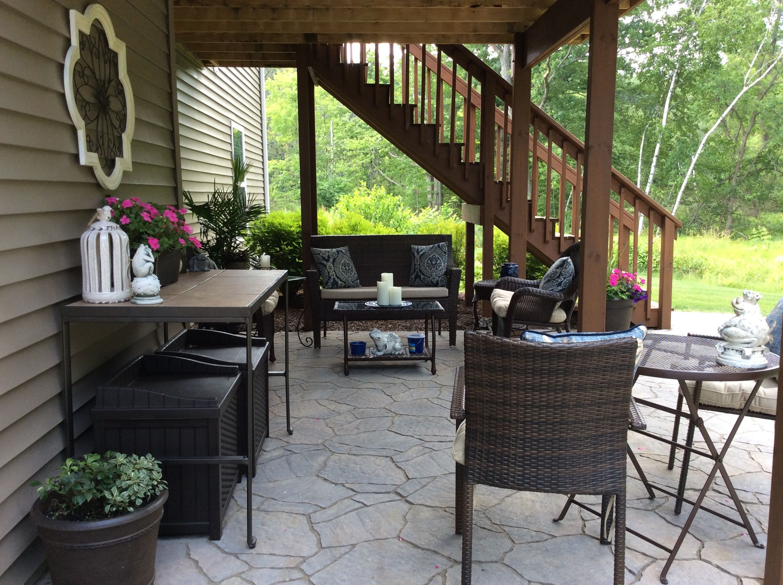 under deck patio patio under decks