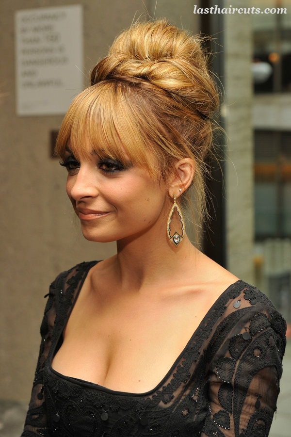 20 Glamorous Updo Hairstyles That Approved by Celebrities  #CelebrityHaircuts