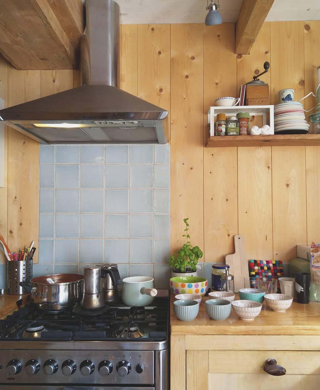 Bom Dia Que Demonstracao De Carinho Servir Um Cha Ou Cafe Com Uma Mensagem Delicada Na Louca In 2020 Kitchen Home Decor Kitchen Appliances