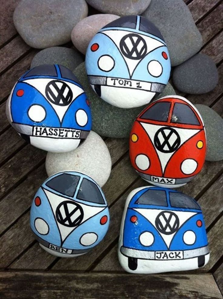 Steine bemalen: 40 Ideen für originelles Basteln mit Steinen #steinbilderselbermachen kreatives Basteln mit Steinen Volkswagen Bus #steinebemalenvorlagen
