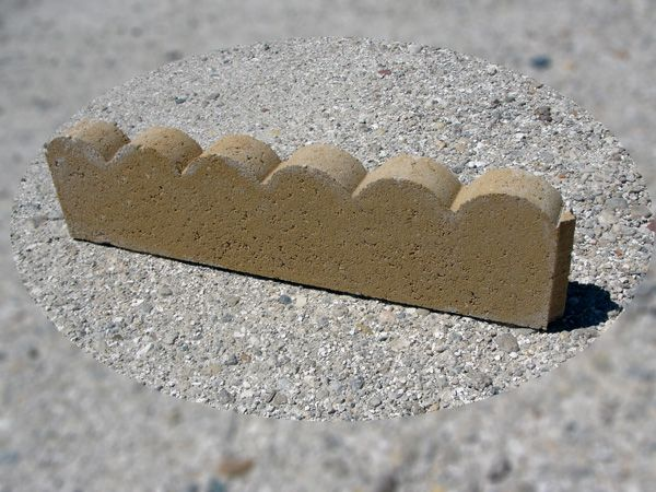 Concrete Block Edging 24 Inches Scalloped Edging Sandstone Concrete Edging Concrete Blocks Concrete