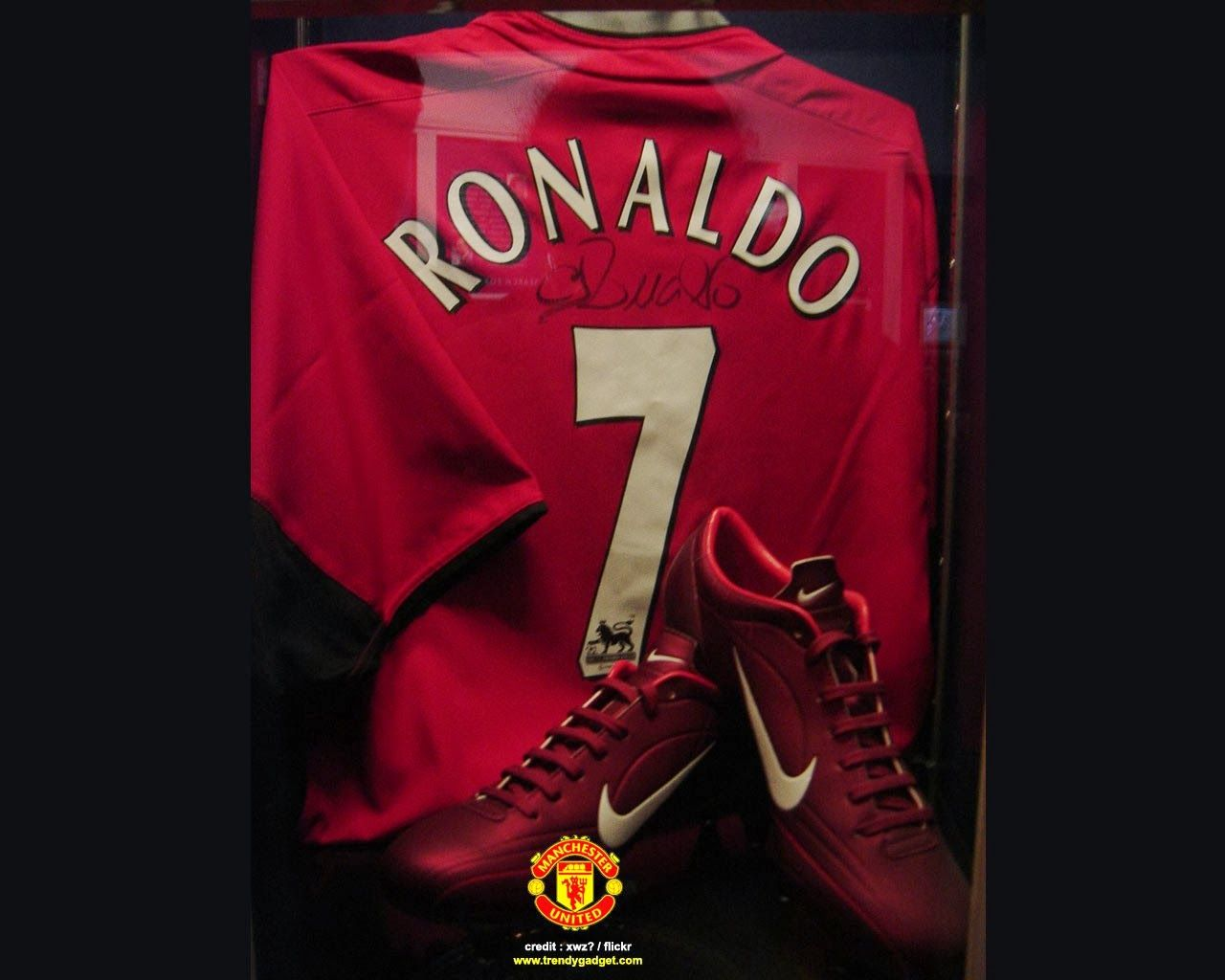 Cristiano Ronaldo Wallpaper WallSheets