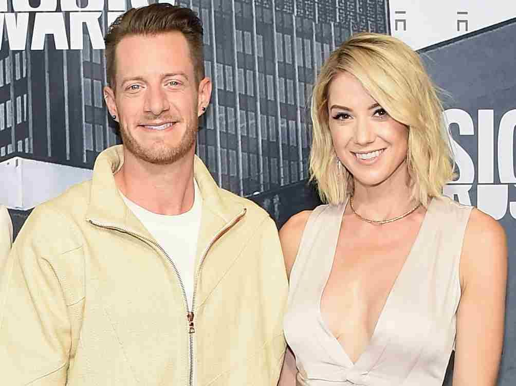 Tyler Hubbard And Wife Reveal Baby S Gender With Dirt Bikes Or Diamonds Gender Reveal Party Gender Reveal Party Reveal Parties Gender Reveal