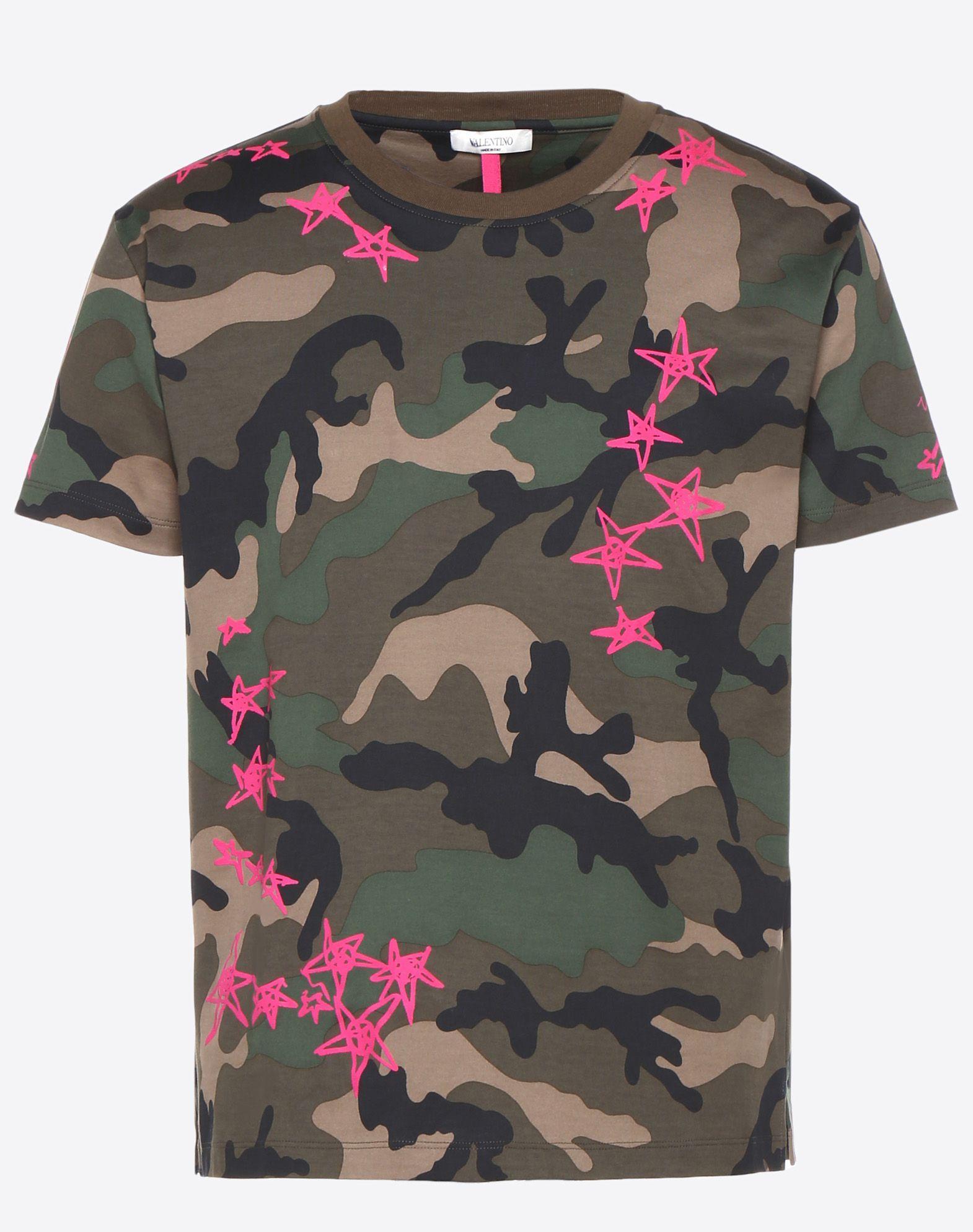 806ee68fb8 VALENTINO CAMOUFLAGE T-SHIRT WITH ZANDRA STARS. #valentino #cloth ...