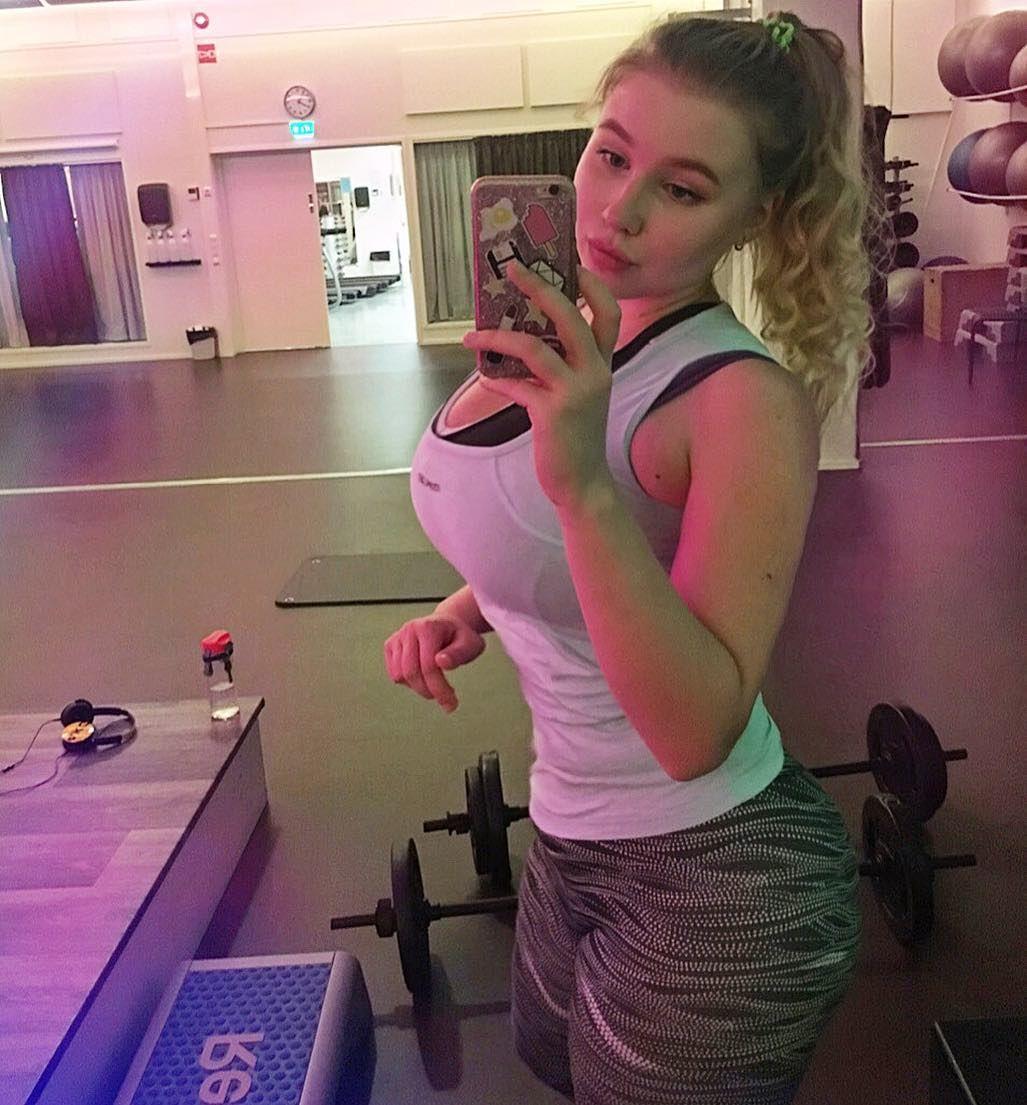 Sexy Celebrity Pasha Pozdniakova naked photo 2017