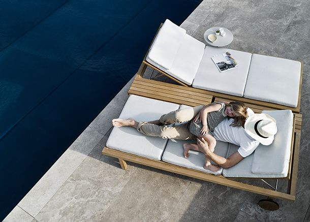 Vis à Vis von Tribù | Outdoor daybed and Daybed