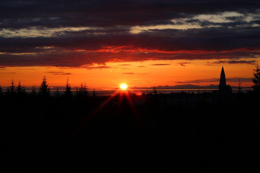 Sunset in Reykjavík by Gestur Skarphedinsson on 500px
