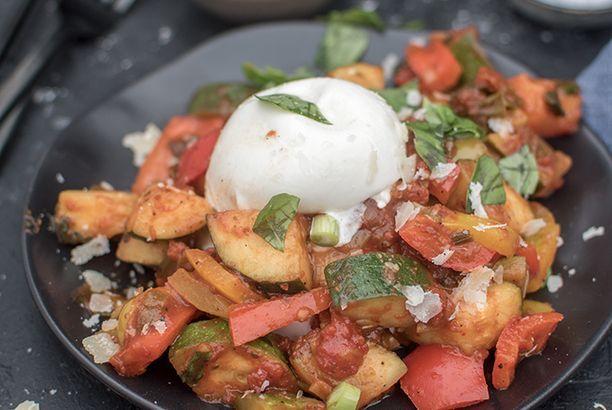 Veggie Sommerküche : Gemüsepfanne mit burrata: ein hoch auf die sommerküche das