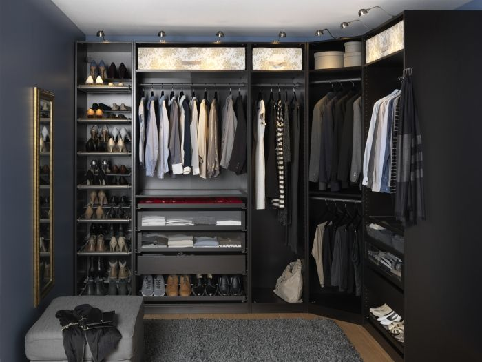 Having An Organized Closet Makes Getting Ready In The Morning So Much Easier With The Pax Komplement Wardrobe System Y Ankleide Zimmer Ankleide Ankleidezimmer