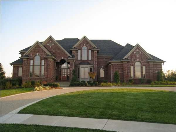You will find luxury real estate in louisville in several for Luxury home descriptions