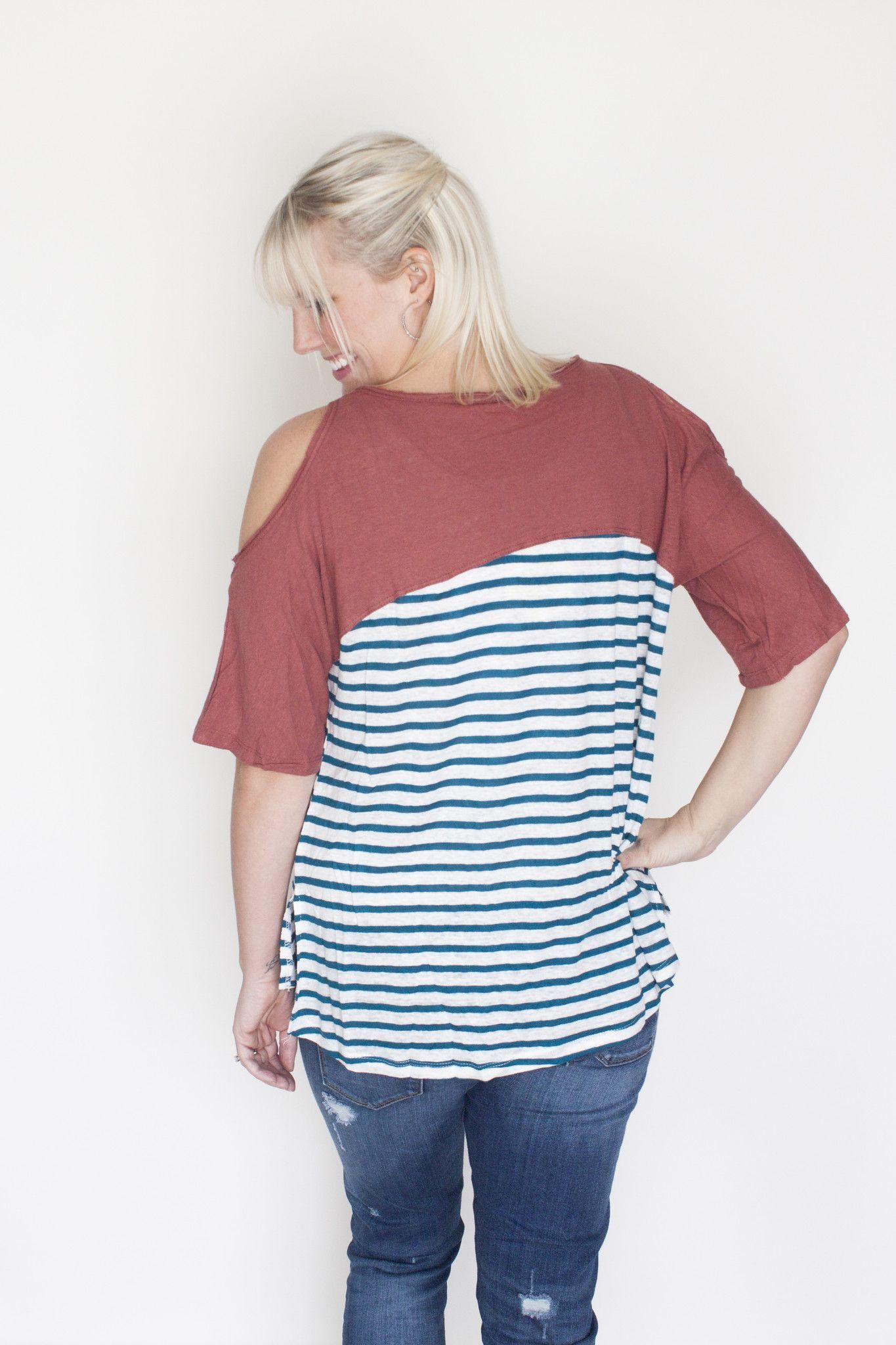 9776d43f00253 Striped cold shoulder top