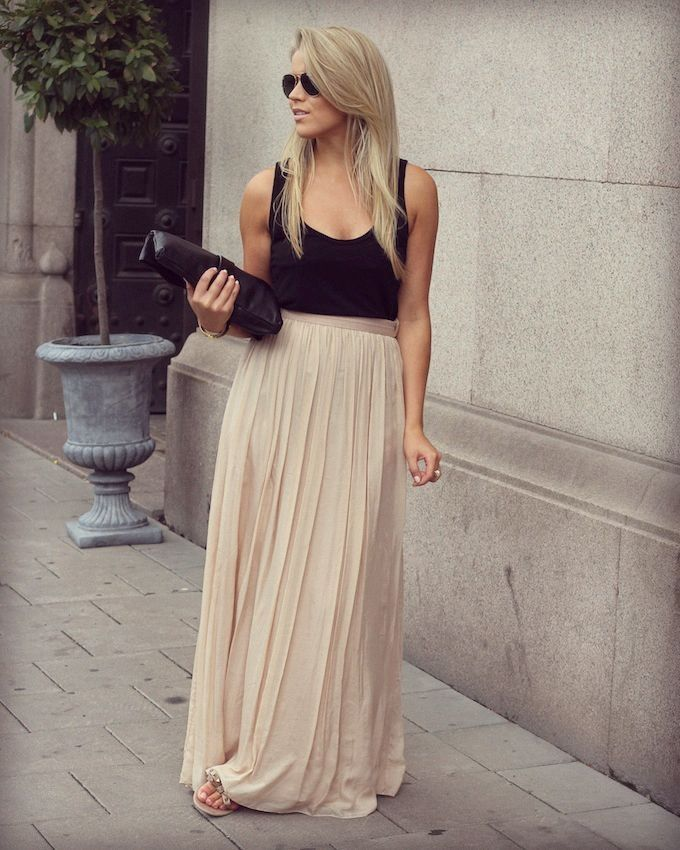 Nude maxi skirt with wide pleats and a loose slub tank in black. This outfit is PERFECTION. But how else could I wear this skirt?