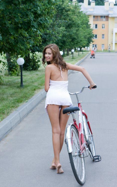 Hot Cycling Cycling Is Sexy  Mitza  Bicycle Women -1289