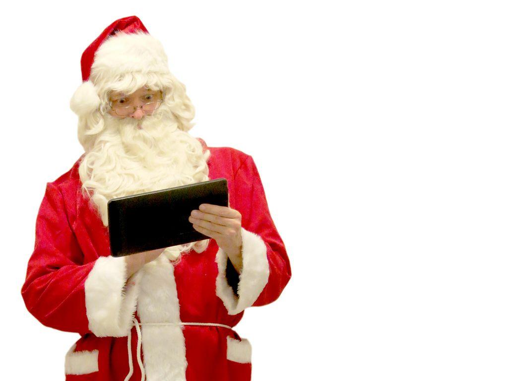 christmas-tech-gifts-01 | Christmas Gift Ideas | Pinterest ...
