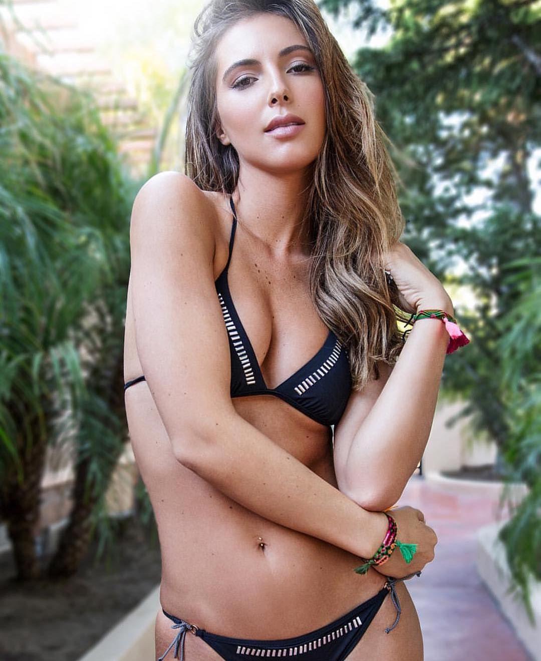 Bikini Brittny Ward naked (48 foto and video), Pussy, Paparazzi, Feet, butt 2015