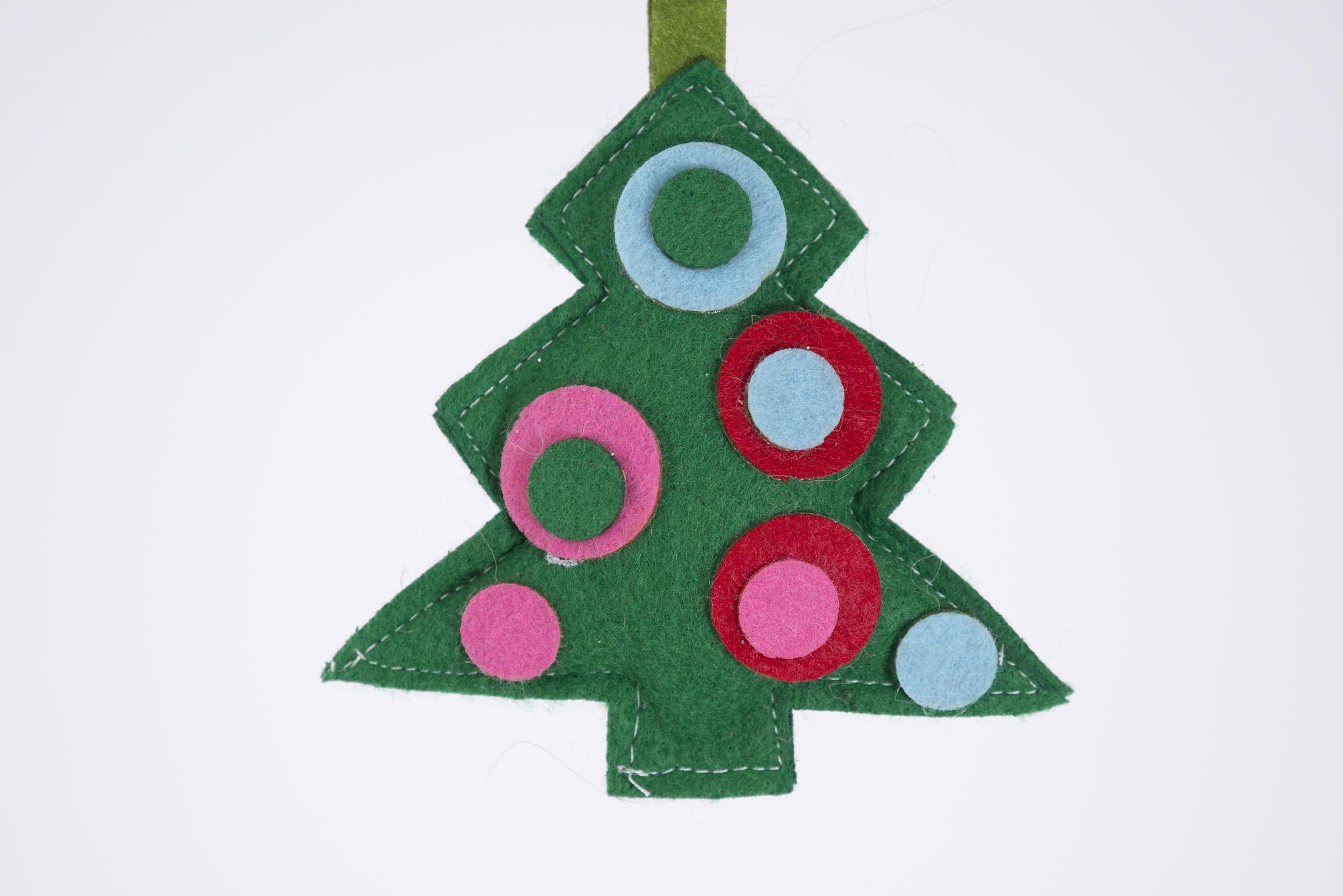 Felt Christmas Tree Ornament Felt Christmas Ornament Etsy Christmas Tree Ornaments Felt Felt Crafts Kits Felt Christmas Ornaments