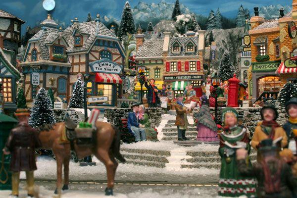 Die kleine Weihnachtswelt | Weihnachtsdörfchen | Pinterest ...