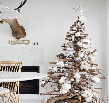 Sapin de no l en bois 10 diy d co pour s 39 inspirer deco for Branche bois flotte blanc