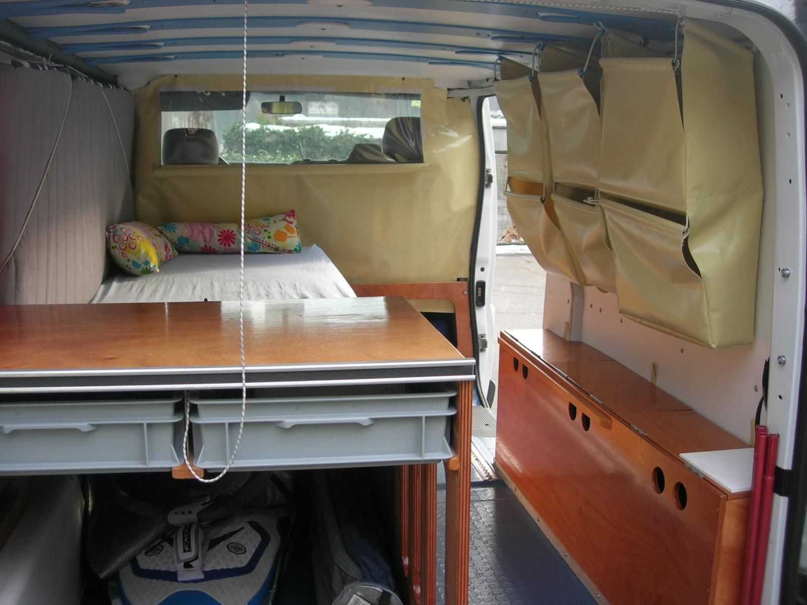 opel vivaro surfbus camper individualausbau camper wahn pinte. Black Bedroom Furniture Sets. Home Design Ideas