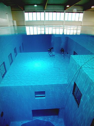 The Deepest Swimming Pool In The World It S A Diving School In