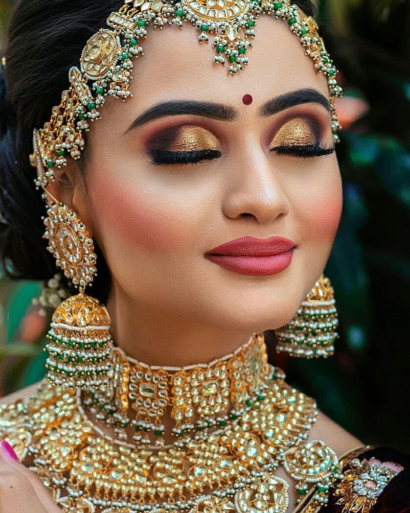 Golden with a smokey eye makeup bridal eye makeup best