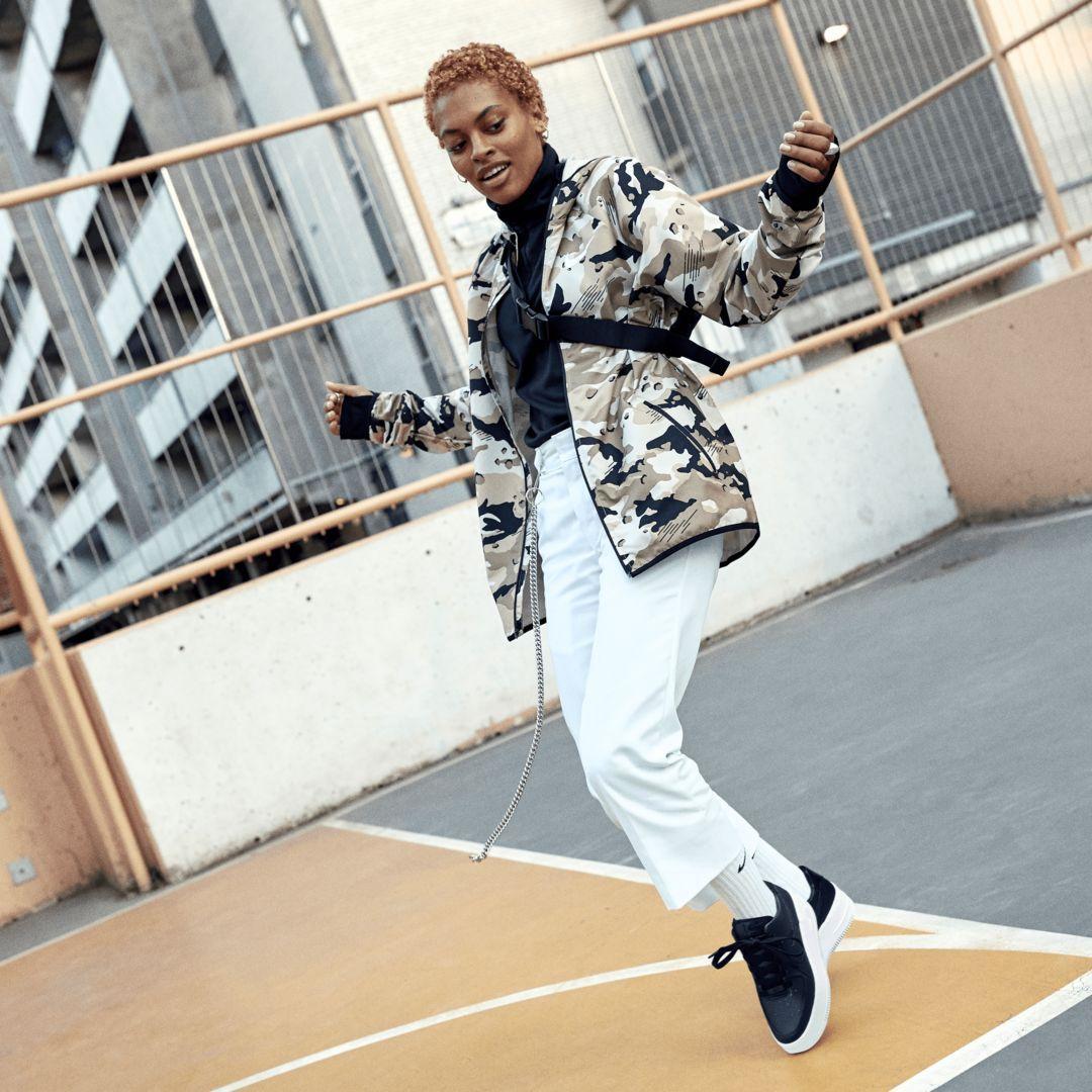 f130f28eeb3 Nike Dri-FIT Men s Woven Training Jacket Size XL (Desert Sand ...