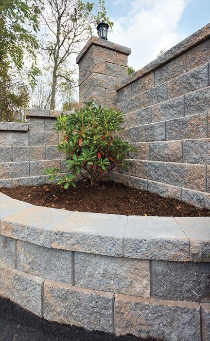 EP Henry Mesa Retaining Wall in Dakota Blend