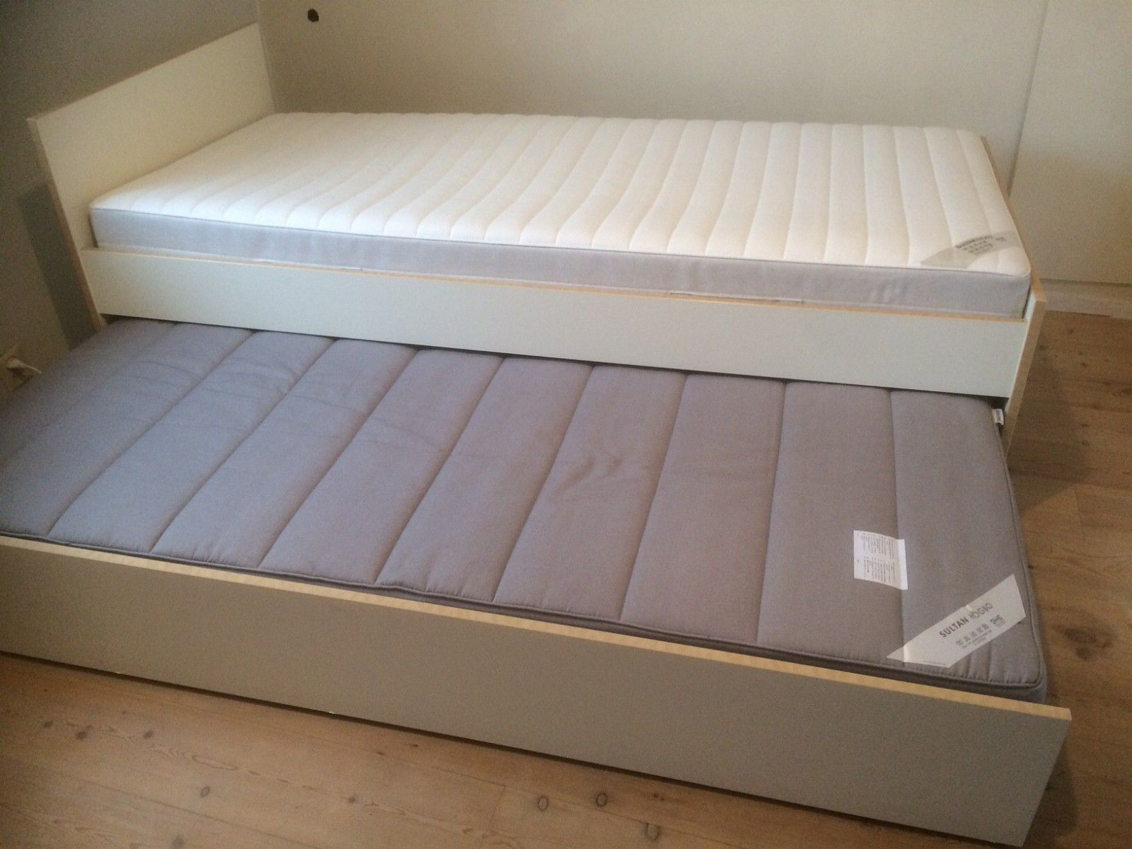 Ikea 90x200 latest boxspring bed ikea boxspring bed ikea for Sofa bed 90x200