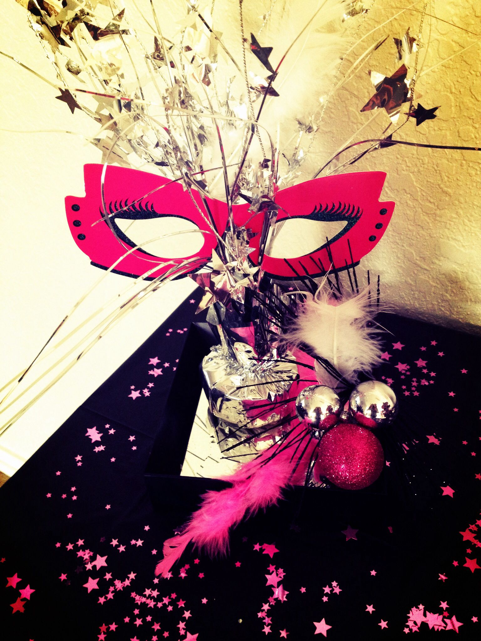 DIY masquerade bday party decorations | Masquerade Party ...
