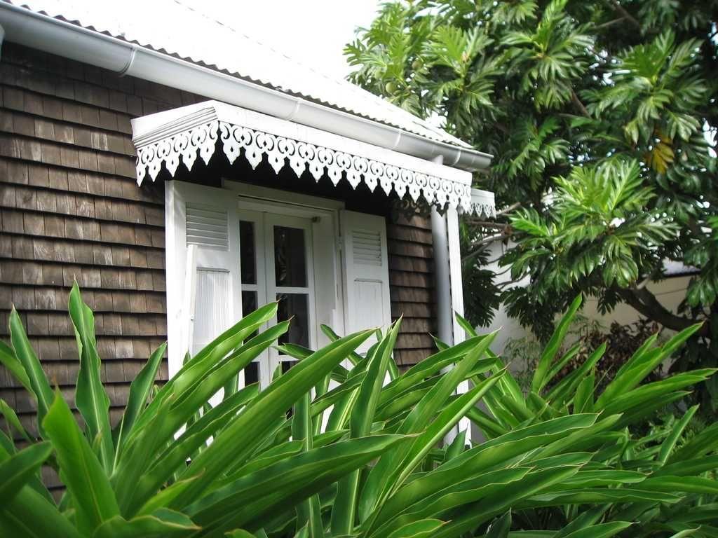 L Exposition Sur Les Cases Cr Oles House